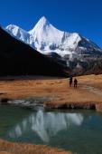 稻城亚丁雪山