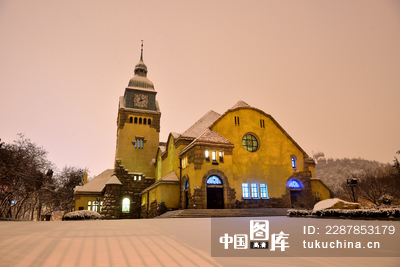 青岛基督教堂雪景