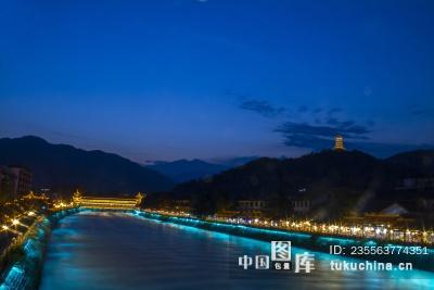 四川都江堰南桥夜景图片