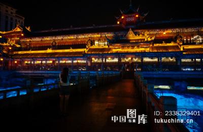 都江堰南桥夜景图片